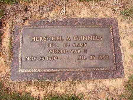 GUNNELS (VETERAN WWII), HERSCHEL A - Columbia County, Arkansas | HERSCHEL A GUNNELS (VETERAN WWII) - Arkansas Gravestone Photos