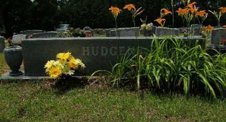 HUDGENS, WILLIAM W - Columbia County, Arkansas | WILLIAM W HUDGENS - Arkansas Gravestone Photos