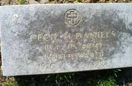 DANIELS (VETERAN  WWII), CECILE H - Conway County, Arkansas | CECILE H DANIELS (VETERAN  WWII) - Arkansas Gravestone Photos