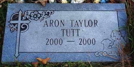 TUTT, ARON TAYLOR - Conway County, Arkansas | ARON TAYLOR TUTT - Arkansas Gravestone Photos