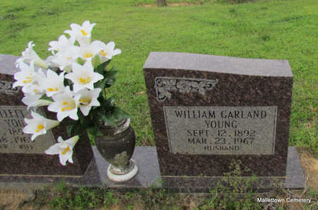 YOUNG, WILLIAM GARLAND (CLOSE UP) - Conway County, Arkansas | WILLIAM GARLAND (CLOSE UP) YOUNG - Arkansas Gravestone Photos