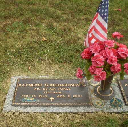 RICHARDSON  (VETERAN VIET), RAYMOND G - Craighead County, Arkansas | RAYMOND G RICHARDSON  (VETERAN VIET) - Arkansas Gravestone Photos