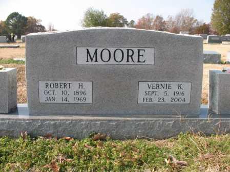MOORE, VERNIE K - Cross County, Arkansas | VERNIE K MOORE - Arkansas Gravestone Photos