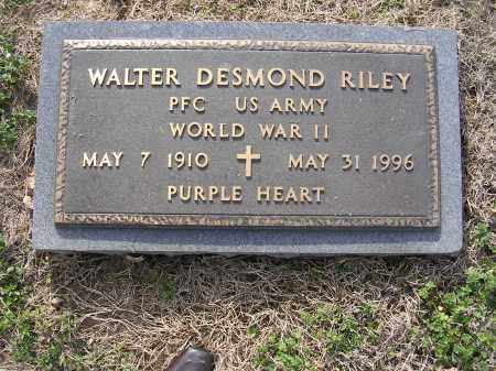 RILEY (VETERAN WWII), WALTER DESMOND - Cross County, Arkansas | WALTER DESMOND RILEY (VETERAN WWII) - Arkansas Gravestone Photos