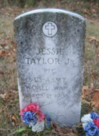 TAYLOR, JR (VETERAN WWII), JESSIE - Cross County, Arkansas | JESSIE TAYLOR, JR (VETERAN WWII) - Arkansas Gravestone Photos