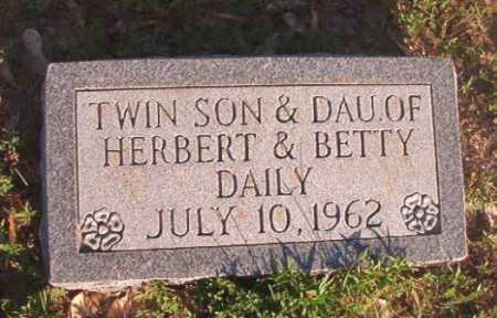 DAILY, INFANT SON - Dallas County, Arkansas | INFANT SON DAILY - Arkansas Gravestone Photos