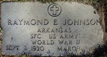 JOHNSON (VETERAN WWII), RAYMOND E - Faulkner County, Arkansas | RAYMOND E JOHNSON (VETERAN WWII) - Arkansas Gravestone Photos