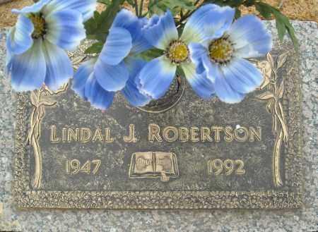 ROBERTSON, LINDAL J. - Faulkner County, Arkansas | LINDAL J. ROBERTSON - Arkansas Gravestone Photos