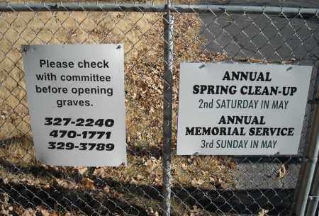 *SIGNS AT CEMETERY ENTRANCE,  - Faulkner County, Arkansas |  *SIGNS AT CEMETERY ENTRANCE - Arkansas Gravestone Photos