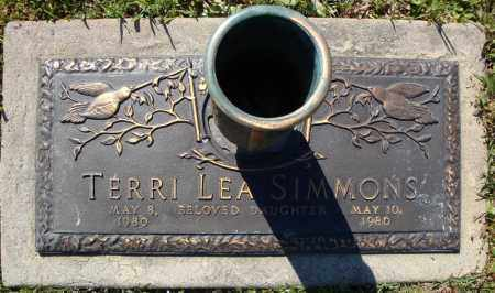 SIMMONS, TERRI LEA - Faulkner County, Arkansas | TERRI LEA SIMMONS - Arkansas Gravestone Photos
