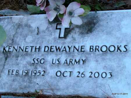 BROOKS (VETERAN), KENNETH DEWAYNE - Fulton County, Arkansas | KENNETH DEWAYNE BROOKS (VETERAN) - Arkansas Gravestone Photos