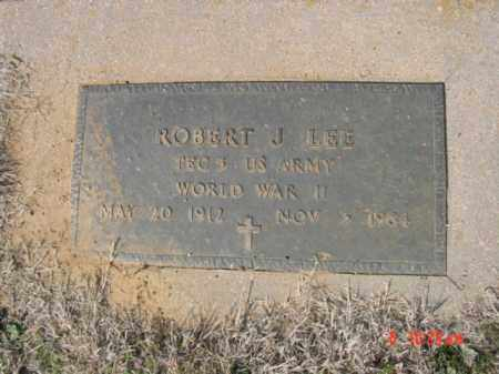 LEE  (VETERAN WWII), ROBERT J - Izard County, Arkansas | ROBERT J LEE  (VETERAN WWII) - Arkansas Gravestone Photos