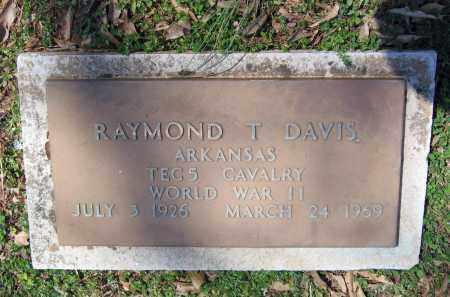 DAVIS (VETERAN WWII), RAYMOND T - Lawrence County, Arkansas | RAYMOND T DAVIS (VETERAN WWII) - Arkansas Gravestone Photos