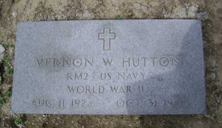 HUTTON  (VETERAN WWII), VERNON W - Lawrence County, Arkansas | VERNON W HUTTON  (VETERAN WWII) - Arkansas Gravestone Photos