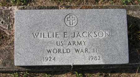 JACKSON (VETERAN WWII), WILLIE E - Lawrence County, Arkansas | WILLIE E JACKSON (VETERAN WWII) - Arkansas Gravestone Photos