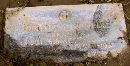 SHIELDS (VETERAN), GERALD L - Lawrence County, Arkansas | GERALD L SHIELDS (VETERAN) - Arkansas Gravestone Photos