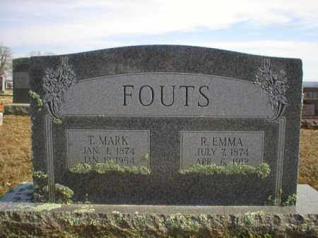 FOUTS, R EMMA - Logan County, Arkansas | R EMMA FOUTS - Arkansas Gravestone Photos