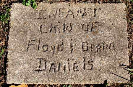 DANIELS, INFANT - Newton County, Arkansas | INFANT DANIELS - Arkansas Gravestone Photos