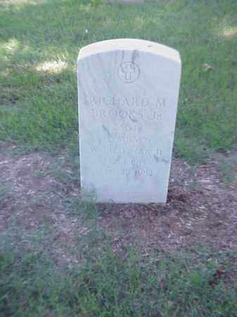 BROOKS, JR (VETERAN WWII), RICHARD M - Pulaski County, Arkansas | RICHARD M BROOKS, JR (VETERAN WWII) - Arkansas Gravestone Photos