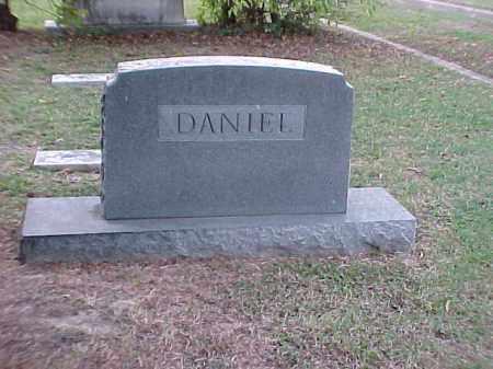 DANIEL FAMILY STONE,  - Pulaski County, Arkansas |  DANIEL FAMILY STONE - Arkansas Gravestone Photos