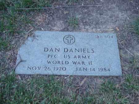 DANIELS (VETERAN WWII), DAN - Pulaski County, Arkansas | DAN DANIELS (VETERAN WWII) - Arkansas Gravestone Photos