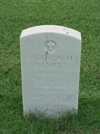 DANIELS (VETERAN WWII), VERNON H - Pulaski County, Arkansas | VERNON H DANIELS (VETERAN WWII) - Arkansas Gravestone Photos