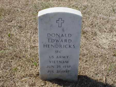 HENDRICKS (VETERAN VIET), DONALD EDWARD - Pulaski County, Arkansas | DONALD EDWARD HENDRICKS (VETERAN VIET) - Arkansas Gravestone Photos