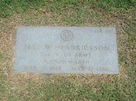 HENDRICKSON (VETERAN WWII), PAUL W - Pulaski County, Arkansas | PAUL W HENDRICKSON (VETERAN WWII) - Arkansas Gravestone Photos