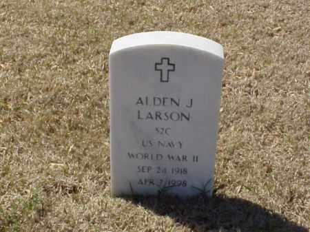 LARSON (VETERAN WWII), ALDEN J - Pulaski County, Arkansas | ALDEN J LARSON (VETERAN WWII) - Arkansas Gravestone Photos