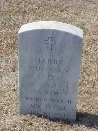 LYON (VETERAN WWII), HARRY HUFFMAN - Pulaski County, Arkansas | HARRY HUFFMAN LYON (VETERAN WWII) - Arkansas Gravestone Photos
