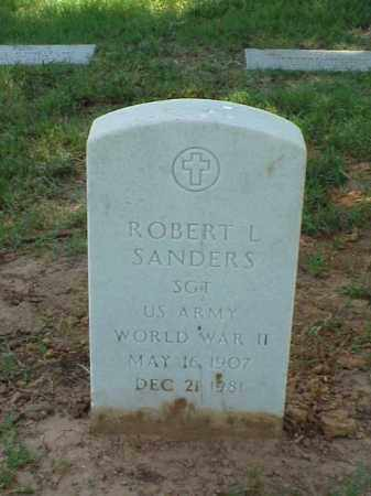 SANDERS (VETERAN WWII), ROBERT L - Pulaski County, Arkansas | ROBERT L SANDERS (VETERAN WWII) - Arkansas Gravestone Photos