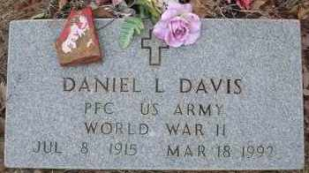 DAVIS  (VETERAN WWII), DANIEL L - Scott County, Arkansas | DANIEL L DAVIS  (VETERAN WWII) - Arkansas Gravestone Photos
