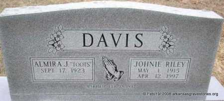 DAVIS, JOHNIE RILEY - Scott County, Arkansas | JOHNIE RILEY DAVIS - Arkansas Gravestone Photos