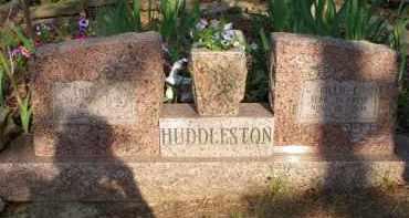 HUDDLESTON, BILLIE L - Scott County, Arkansas | BILLIE L HUDDLESTON - Arkansas Gravestone Photos