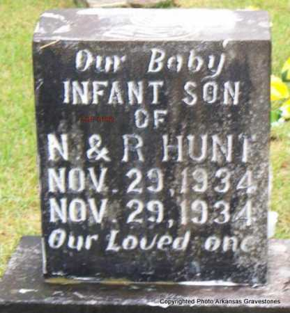 HUNT, INFANT SON - Scott County, Arkansas | INFANT SON HUNT - Arkansas Gravestone Photos
