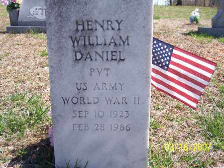 DANIEL (VETERAN WWII), HENRY WILLIAM - Searcy County, Arkansas | HENRY WILLIAM DANIEL (VETERAN WWII) - Arkansas Gravestone Photos