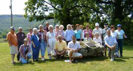*DESCENDENTS PHOTO,  - Stone County, Arkansas |  *DESCENDENTS PHOTO - Arkansas Gravestone Photos