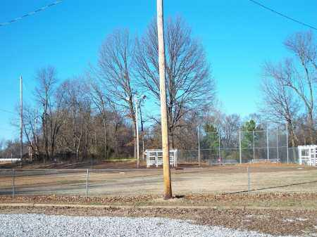 *KINNIBRUGH CEMETERY, VIEW FROM PARKING LOT - Washington County, Arkansas | VIEW FROM PARKING LOT *KINNIBRUGH CEMETERY - Arkansas Gravestone Photos