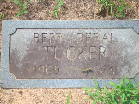 TUCKER, BERT DERAL - Yell County, Arkansas | BERT DERAL TUCKER - Arkansas Gravestone Photos