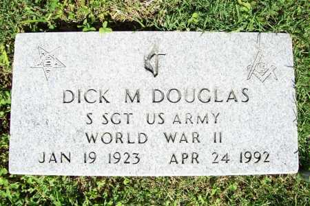 DOUGLAS (VETERAN WWII), DICK M. - Benton County, Arkansas | DICK M. DOUGLAS (VETERAN WWII) - Arkansas Gravestone Photos