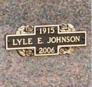 JOHNSON (VETERAN WWII), LYLE E - Benton County, Arkansas | LYLE E JOHNSON (VETERAN WWII) - Arkansas Gravestone Photos
