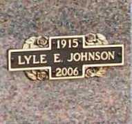JOHNSON (VETERAN WWII), LYLE E - Benton County, Arkansas   LYLE E JOHNSON (VETERAN WWII) - Arkansas Gravestone Photos