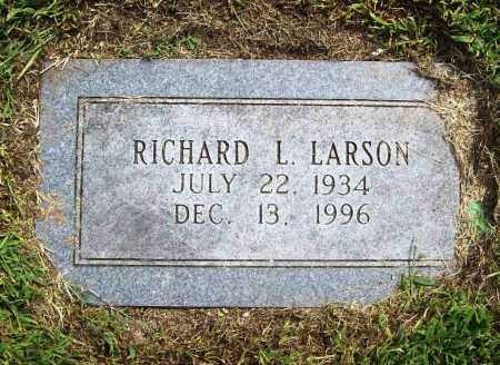 LARSON, RICHARD L. - Benton County, Arkansas | RICHARD L. LARSON - Arkansas Gravestone Photos