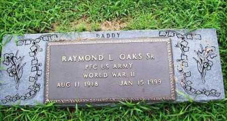 OAKS, SR (VETERAN WWII), RAYMOND L - Benton County, Arkansas | RAYMOND L OAKS, SR (VETERAN WWII) - Arkansas Gravestone Photos