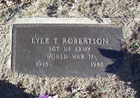 ROBERTSON (VETERAN WWII), LYLE T - Benton County, Arkansas | LYLE T ROBERTSON (VETERAN WWII) - Arkansas Gravestone Photos