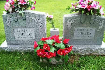 AUSTIN SHIELDS, EVELYN D. - Benton County, Arkansas | EVELYN D. AUSTIN SHIELDS - Arkansas Gravestone Photos
