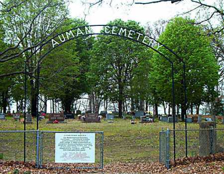 *AUMAN CEMETERY ENTRANCE,  - Boone County, Arkansas |  *AUMAN CEMETERY ENTRANCE - Arkansas Gravestone Photos
