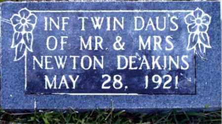 DEAKINS, INFANT TWIN DAUGHTERS - Boone County, Arkansas | INFANT TWIN DAUGHTERS DEAKINS - Arkansas Gravestone Photos