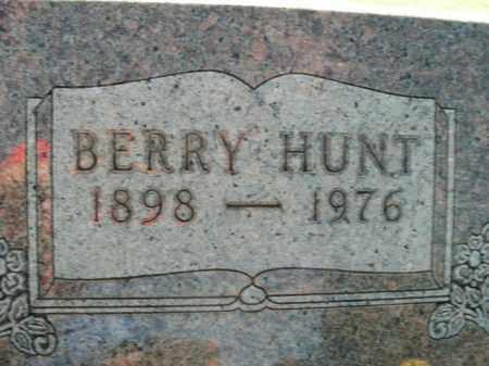HUNT, BERRY - Boone County, Arkansas | BERRY HUNT - Arkansas Gravestone Photos